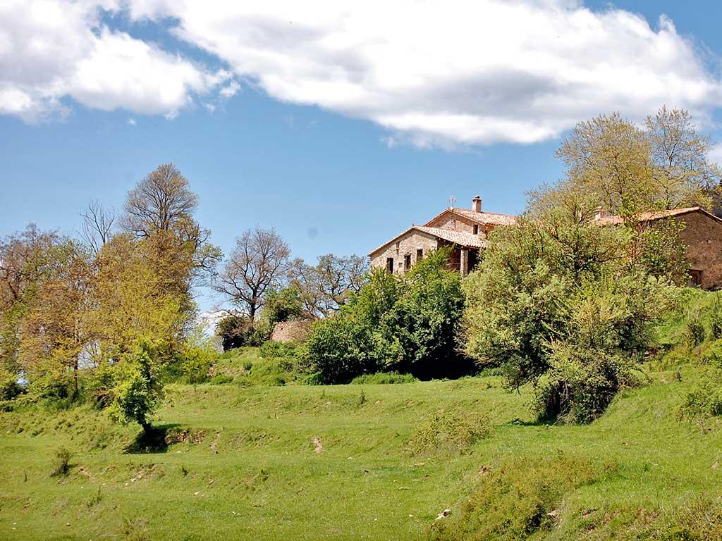 Respirar el silenci, aplicacions mindfulness a la Natura, en una estada per passar tres dies en un lloc molt tranquil i molt maco: Mas Regort, a Vallfogona de Ripollès.